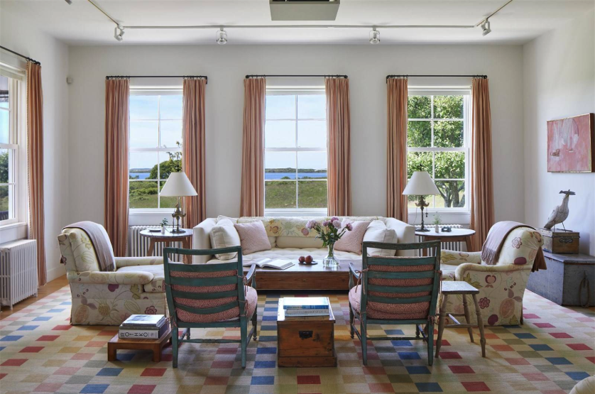 dining room of jackie o's martha's vineyard home